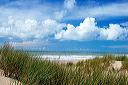 dune, oyats et nuages